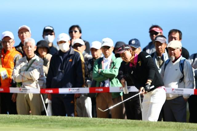 2013年 ヨコハマタイヤゴルフトーナメントPRGRレディスカップ 初日 原江里菜 シード選手で唯一プロギアのクラブを使用してます。1アンダー20位T