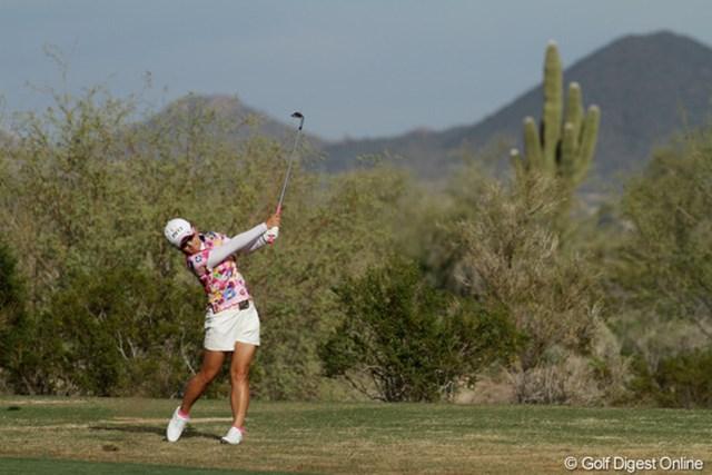 2013年 RRドネリー LPGA ファウンダーズカップ 2日目 有村智恵 予選カットが見え隠れする状況でのプレーに、「米ツアー層の厚さを感じた」との言葉に重みが感じられる。