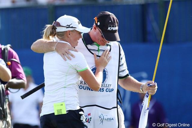 2013年 RRドネリー LPGA ファウンダーズカップ 最終日 ステーシー・ルイス 昨日の大ミスも帳消しとなる優勝に、内心ほっとしているはず。