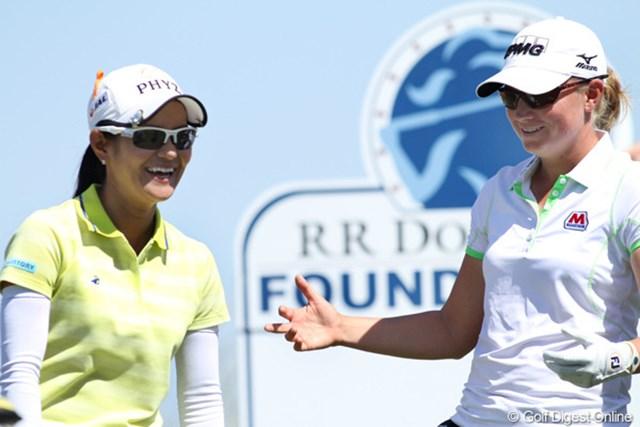 2013年 RRドネリー LPGA ファウンダーズカップ 最終日 ステイシー・ルイス&宮里藍 お互いの努力と実力を認め合っている二人。ラウンド中も会話が絶えなかった。