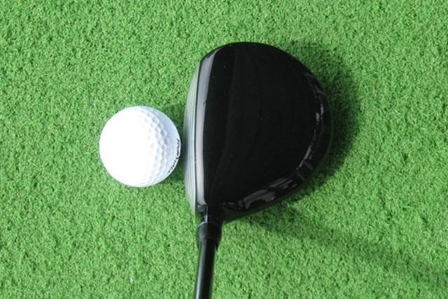 新製品レポート ブリヂストン ツアーステージ X-FW 構えた印象はヘッドが小さく難しそうなイメージだが、実際に打ってみるとボールを拾いやすく、打ちやすい