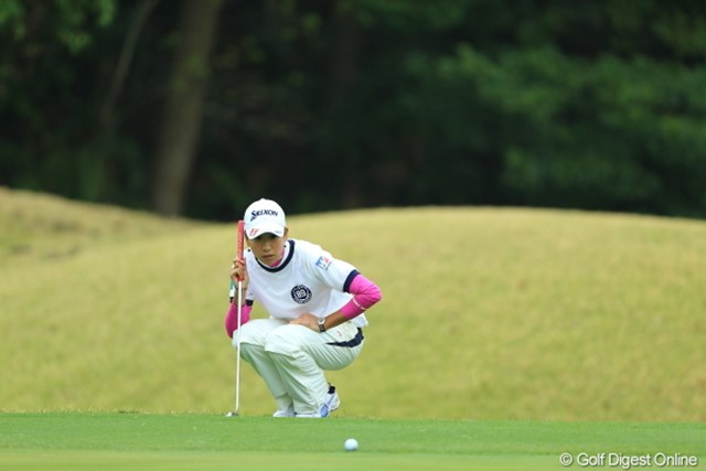 最近ゴルフ場でライン読みの時、真似してる人をよく見る木戸愛スタイル。