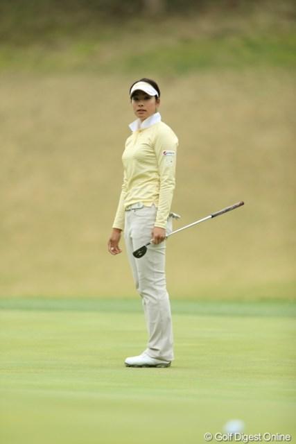 2013年 Tポイントレディスゴルフトーナメント 2日目 森田理香子 イーグルパットは残念ながら激しくショート。でもこのあときっちりバーディー奪取。