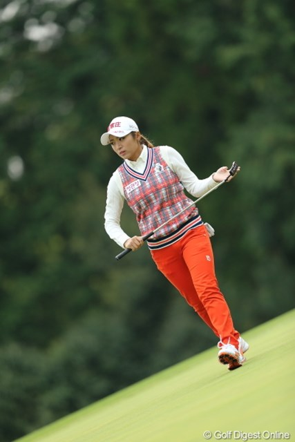 2013年 Tポイントレディスゴルフトーナメント 2日目 イ・ボミ ウエアがいつも可愛くていいね。