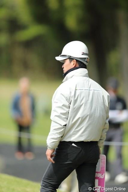 2013年 Tポイントレディスゴルフトーナメント 2日目 ボランティア だいぶ頭の長い人発見!