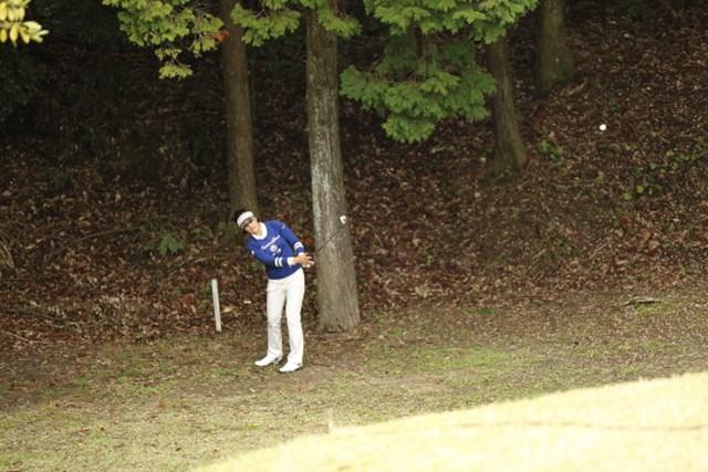 2013年 Tポイントレディスゴルフトーナメント 最終日 全美貞 OBは逃れたものの、ロングなのに後ろに出すハメに。残念。