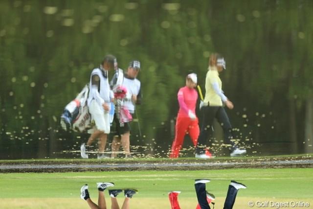 2013年 Tポイントレディスゴルフトーナメント 最終日 池 池の精もゴルフがお好き?
