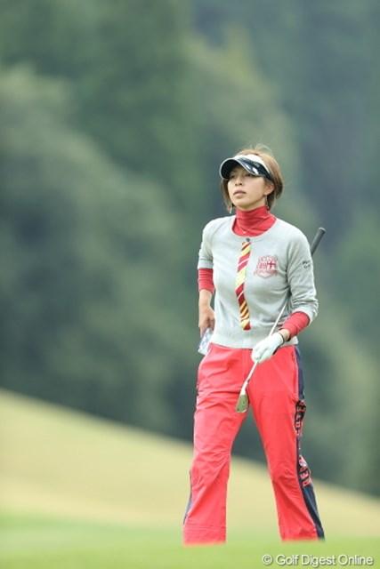2013年 Tポイントレディスゴルフトーナメント 最終日 佐藤靖子 今日はマスクしてないから綺麗なお顔が丸出しに。ウフ