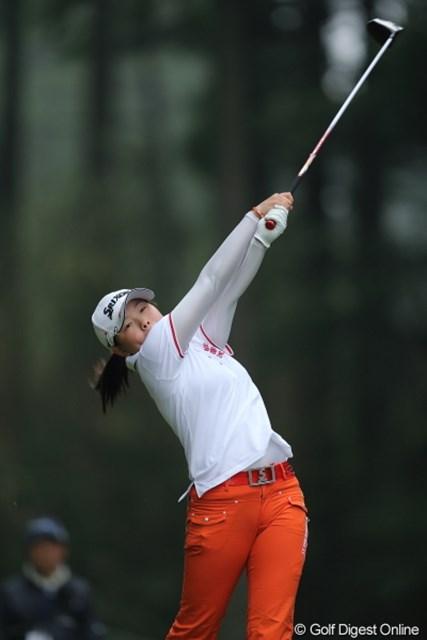 2013年 Tポイントレディスゴルフトーナメント 最終日 勝みなみアマ 一番高いところまでヘッドを掲げたのは貴女です。