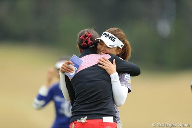 2013年 Tポイントレディスゴルフトーナメント 最終日 森田理香子 一ノ瀬優希 森田プロの壮絶な追い上げも一歩及ばず。優希ちゃんもひと安心。