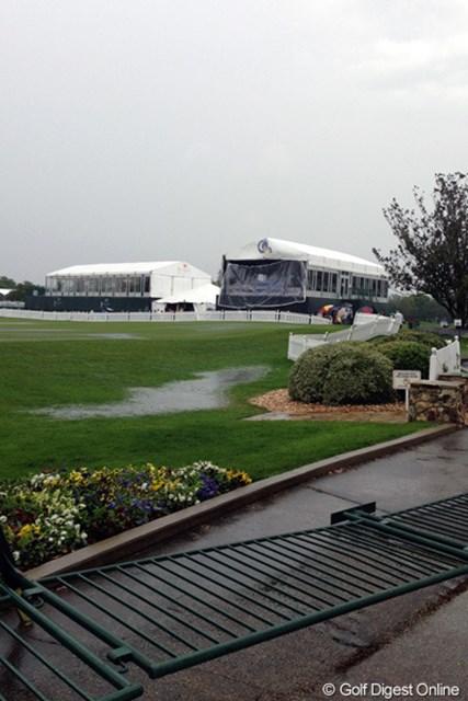 ベイヒルC&ロッジ 激しい雷雨で被害をうけたコースの模様
