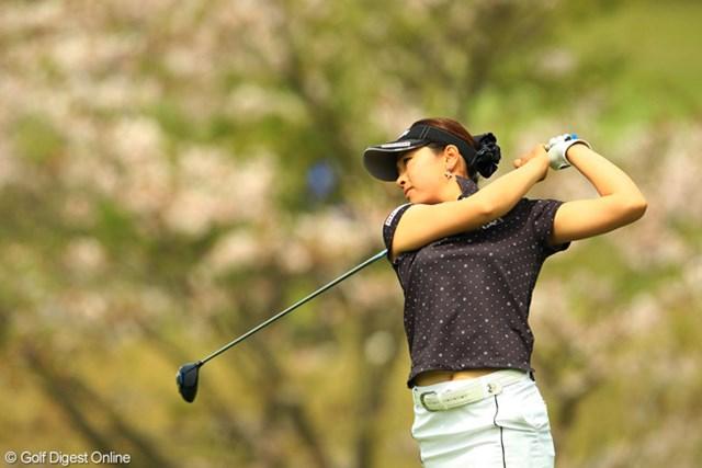 2013年 アクサレディスゴルフトーナメント in MIYAZAKI 初日 森田理香子 開幕から3試合でトップ3を外してないなんて凄過ぎです。今週も4位タイの好スタート。