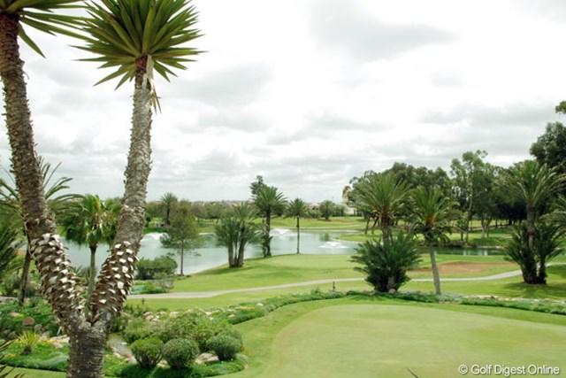 アガディール市内中心部から車で約10分。敷地内にはチャンピオンコースやリゾートホテルも有するゴルフリゾート