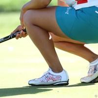 女子ならではの華やかなデザインのシューズ。履いているのはパク・ヒヨン(5位タイ) 2013年 クラフトナビスコ選手権 2日目 シューズ