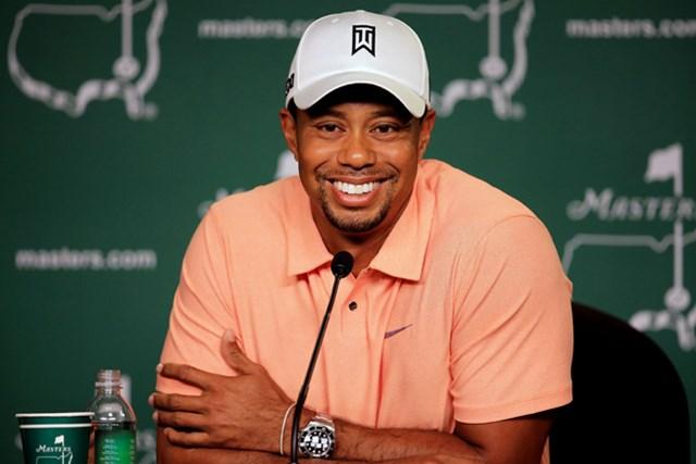 2013年 マスターズ 事前 タイガー・ウッズ 火曜日に公式会見に出席したT.ウッズ。笑顔の多さも今の調子を物語っている(David Cannon/Getty Images)