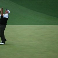 プレーオフ2ホール目のバーディパットは惜しくも入らず。A.カブレラは2着目のグリーンジャケット獲得ならず(Andrew Redington/Getty Images) 2013年 マスターズ 最終日 アンヘル・カブレラ