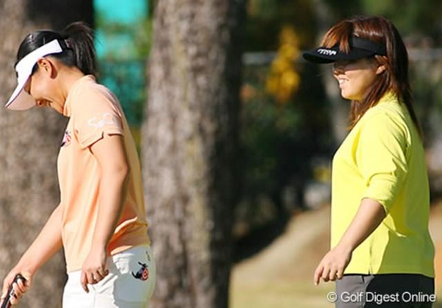 2006年 LPGAツアーチャンピオンシップリコーカップ 事前情報 不動裕理 親友の中田美枝とラウンドも一緒に パッティングの練習する不動裕理