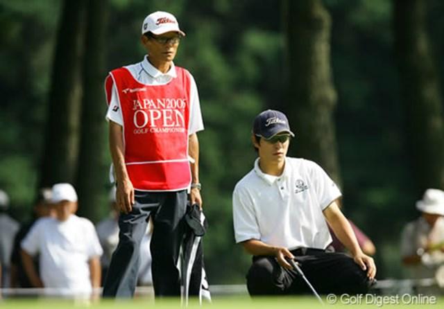 今年の「日本アマチュアゴルフ選手権競技」を制した韓国の金庚泰。キャディを務める父親とのコンビネーションもバッチリ