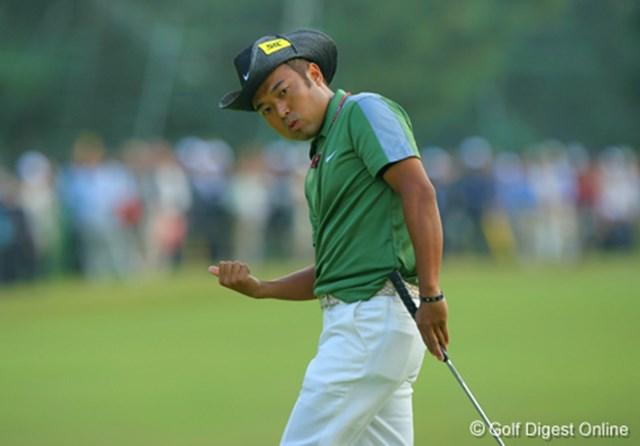 2006年 日本オープンゴルフ選手権競技 3日目 片山晋呉 「よーし、そこでクイッと右に曲がれ!!」自分の思い通りに打ったボールに言い聞かせるようなまなざしの片山晋呉