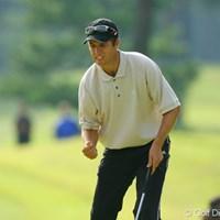 ティショットをフェアウェイ左の木に当てたポール・シーハン。3メートルのパーパットを決め、渾身のガッツポーズ 2006年 日本オープンゴルフ選手権競技 最終日 ポール・シーハン