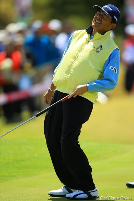 昨日までは「手前から手前からゴルフ」が功を奏していました。今日も同じ戦法でしたが、アプローチパターに精彩を欠き、上手くハマりませんでした。20位タイフィニッシュ。