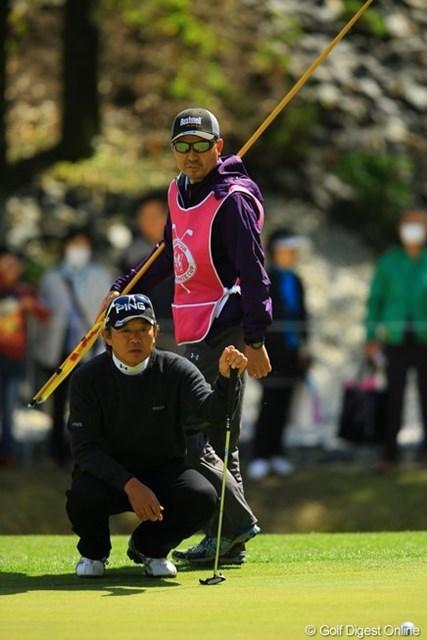 祝初優勝!塚田プロ祭り③ バックナインでの塚田さんは、いつもと全然表情が違ってましたね。かなり喉がカラカラな感じに見えました。