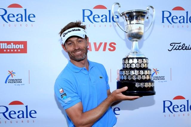 欧州ツアー最長記録に並ぶ9ホールのプレーオフを制し、通算4勝目を手にしたR.ジャクリン(Richard Heathcote /Getty Images)