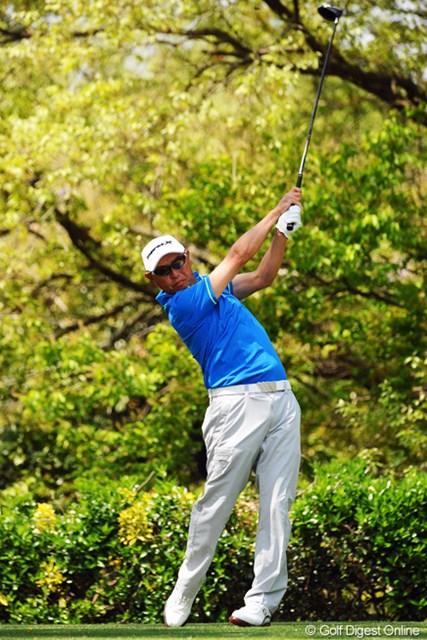 2013年 つるやオープンゴルフトーナメント 2日目 谷口徹 4バーディ、3ボギーと1つスコアを伸ばして暫定8位タイ。十分にチャンスのある位置をしっかりとキープしてはります。
