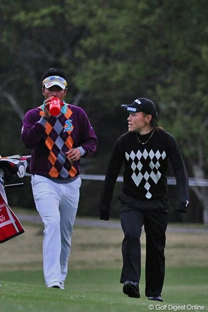 2013年 つるやオープンゴルフトーナメント 2日目 松山英樹 藤本佳則 中断前に1バーディ、再開後の11ホールで5バーディ、ノーボギーの猛チャージで一気に暫定首位タイまでジャンプアップですゥ。