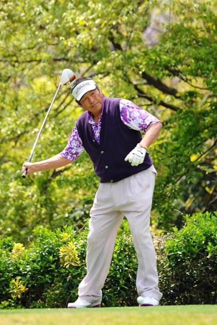2013年 つるやオープンゴルフトーナメント 3日目 尾崎将司 ジャンボの右手ビュンビュン素振りが世間に広まるまで、この写真をUPし続けたいと思います!素振りを始めたらシャッター切りまくりっす!22位T