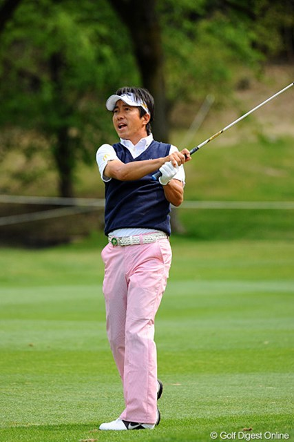 2013年 つるやオープンゴルフトーナメント 3日目 深堀圭一郎 6バーディ、1ボギーの66。3日連続60台をマークして久しぶりに元気なところを見せてくれはりました~。10位T