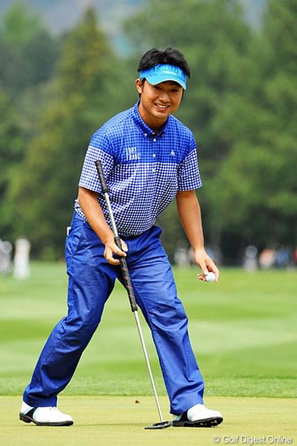 2013年 つるやオープンゴルフトーナメント 3日目 市原弘大 8バーディ奪取で初日同様の65をマーク!小さな身体にでっかいパターはすっかりお馴染みとなりました。2位T
