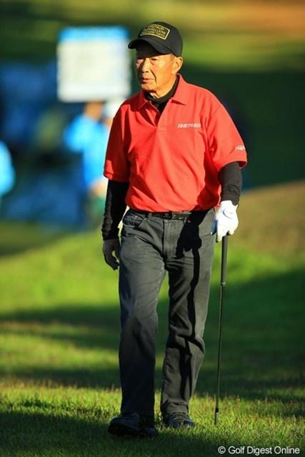 2013年 中日クラウンズ 初日 石田弘二 和合のクラブチャンピオンです。72歳の年齢でプラスハンデ。そんな方でもこの強風とグリーンセッティングでは、94も叩いちゃうんですねぇ。恐るべし和合!