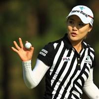 天は二物を与えるんですよ。美人でゴルフが上手いなんて。首位タイスタートです。 2013年 ワールドレディスチャンピオンシップサロンパスカップ 初日 リュー・ソヨン
