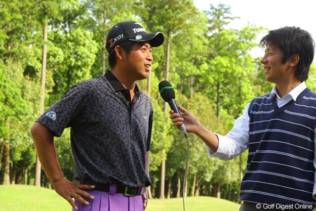 優勝インタビューではシニア勢のプレッシャーに緊張したと話す池田勇太