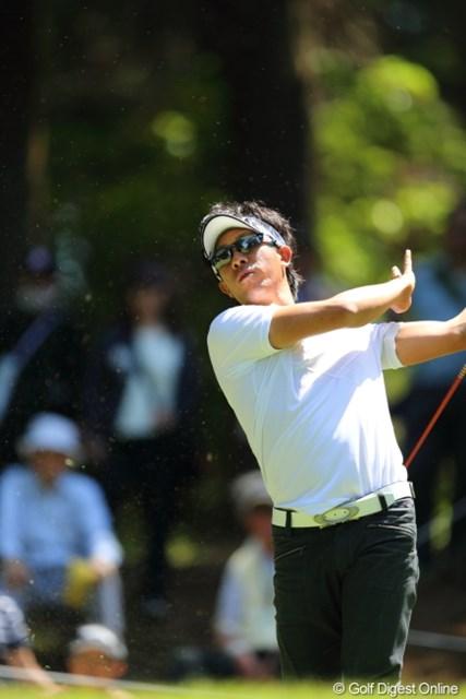 2013年 日本プロゴルフ選手権大会 日清カップヌードル杯 2日目 上井邦浩 珍しくティショットをチョロ。その瞬間、誰も声をかけられない。