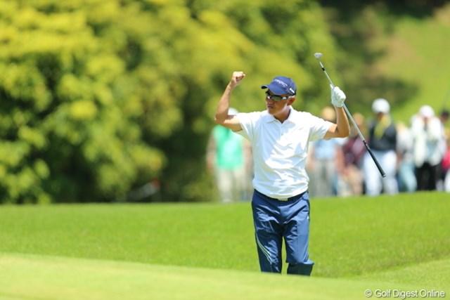 2013年 日本プロゴルフ選手権大会 日清カップヌードル杯 2日目 谷口徹 どや!どや!チップインしたで!