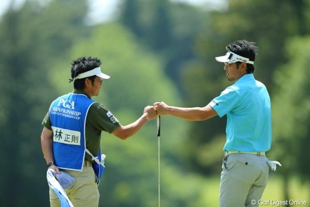 2013年 日本プロゴルフ選手権大会 日清カップヌードル杯 3日目 小林正則 ジャンケンって、あ、ぶつかっちゃった。