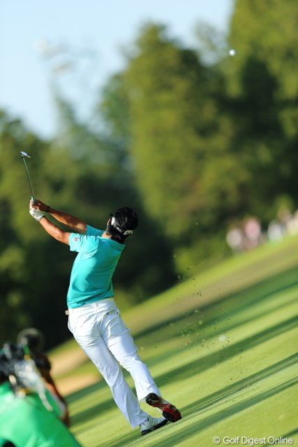 2013年 日本プロゴルフ選手権大会 日清カップヌードル杯 3日目 松山英樹 この柔軟性が飛距離の源。