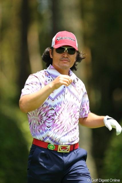 2013年 日本プロゴルフ選手権大会 日清カップヌードル杯 3日目 チェ・ホソン 今日はサングラス越しでオメメが見えないわよ。でもこっち見てくれてるわ。