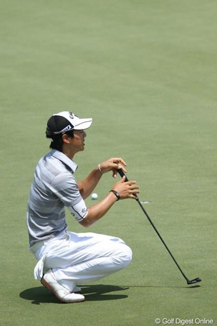 2013年 HP バイロンネルソン選手権 3日目 石川遼 カップに蹴られ悔しがる石川。今週は何度もチャンスを逃している・・・。