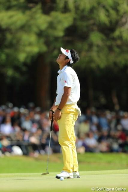 2013年 日本プロゴルフ選手権大会 日清カップヌードル杯 最終日 松山英樹 最終18番でパーパットを外し、逆転負けを喫した松山英樹。