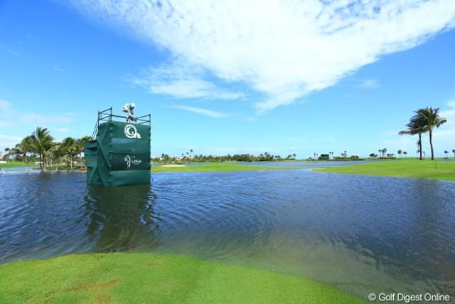 ゴルフチャンネルの中継用設備も、最初から水の中にあったわけではありません。