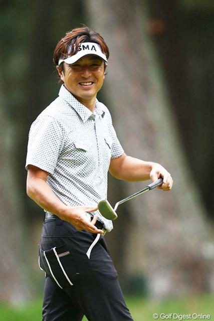 2013年 ダイヤモンドカップゴルフ 初日 井上信 ギャラリーの声援に笑顔で・・・4アンダー2位タイ