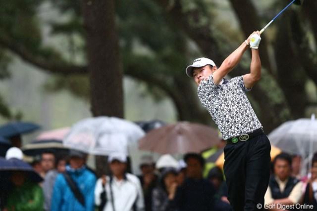 2013年 ダイヤモンドカップゴルフ 初日 藤本佳則 前半はジャンボ、松山との同組をリードしていた藤本。後半は2ボギーだったが、巻き返しのチャンスは十分。