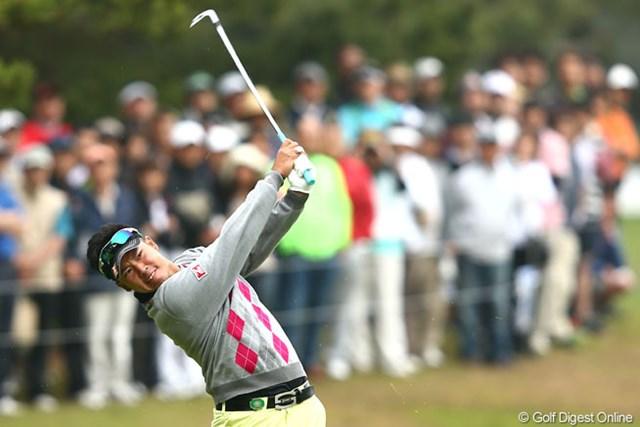 2013年 ダイヤモンドカップゴルフ 3日目 松山英樹 初日から71-69-68とスコアを伸ばして首位タイに。松山の今季2勝目がカウントダウンだ。