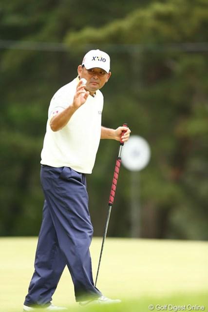 2013年 ダイヤモンドカップゴルフ 3日目 中嶋常幸 首位タイで最終日を迎える中嶋常幸。「一生懸命やりたい」。大きな背中で後輩たちを引っ張る。