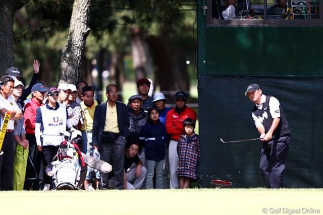 2013年 ダイヤモンドカップゴルフ 最終日 中嶋常幸 15番グリーン奥からのアプローチです