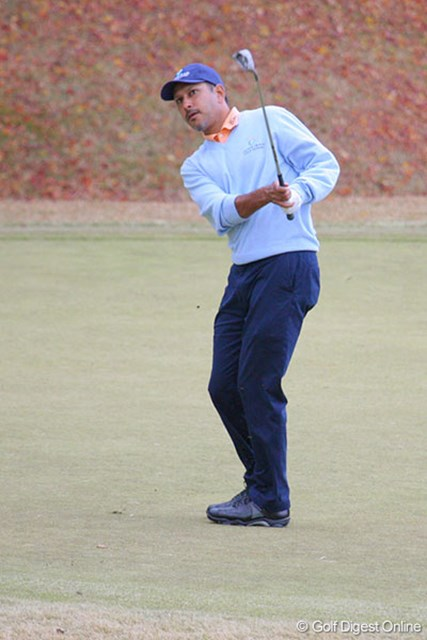 出入りの激しいゴルフながら単独首位に浮上したジーブ・ミルカ・シン