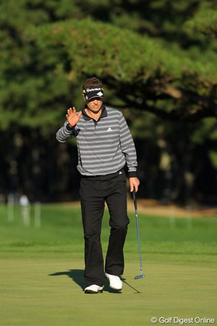 4バーディ、ノーボギーと安定したゴルフで首位に立ったポール・シーハン